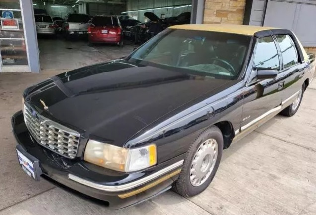 1998 Cadillac DeVille Limousine photo 1