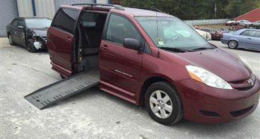 2008 Toyota Sienna Handicap LE 7-Passenger 4dr Mini Van-$21500 for sale