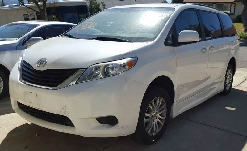$32,000, 2011 Toyota Sienna Handicap Xle 7-Pass Auto Access – 26325 Mi for sale